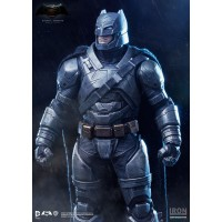 Armored Batman - BvS: Dawn of Justice - 1/10 Art Scale